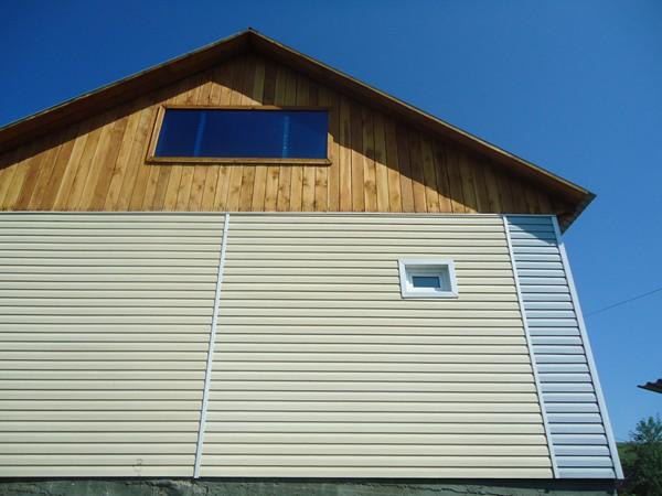 Обшивка деревянного дома виниловым сайдингом