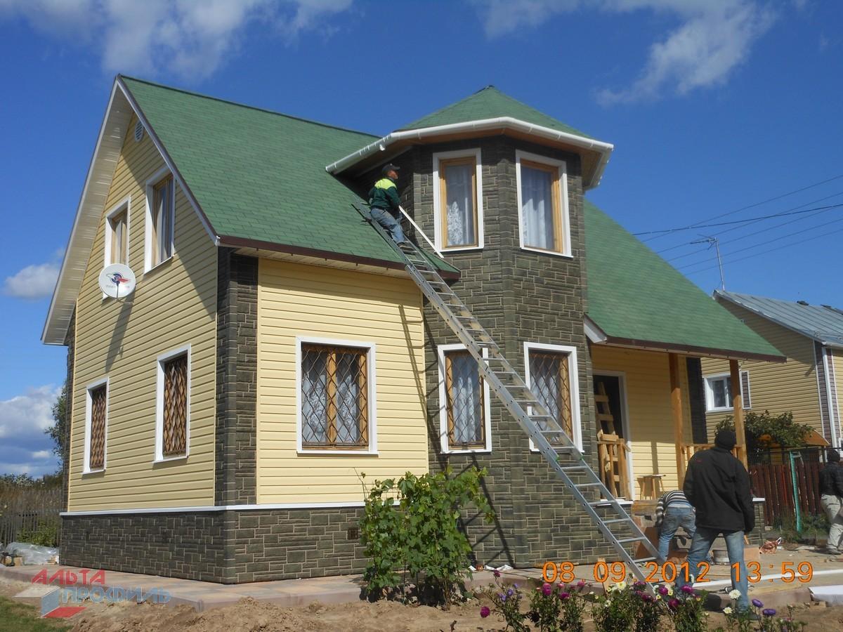 Дизайн домов снаружи с зеленой крышей фото